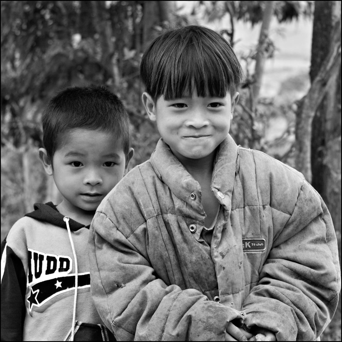 Vietnam Brothers(B&W)10.5x10.5(EVFA)