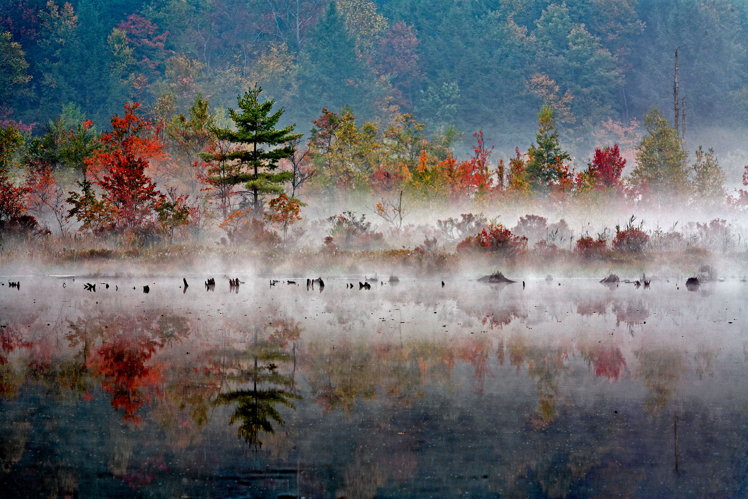 4A-Outdoors-Gabriel-Lake-Fall-Colors